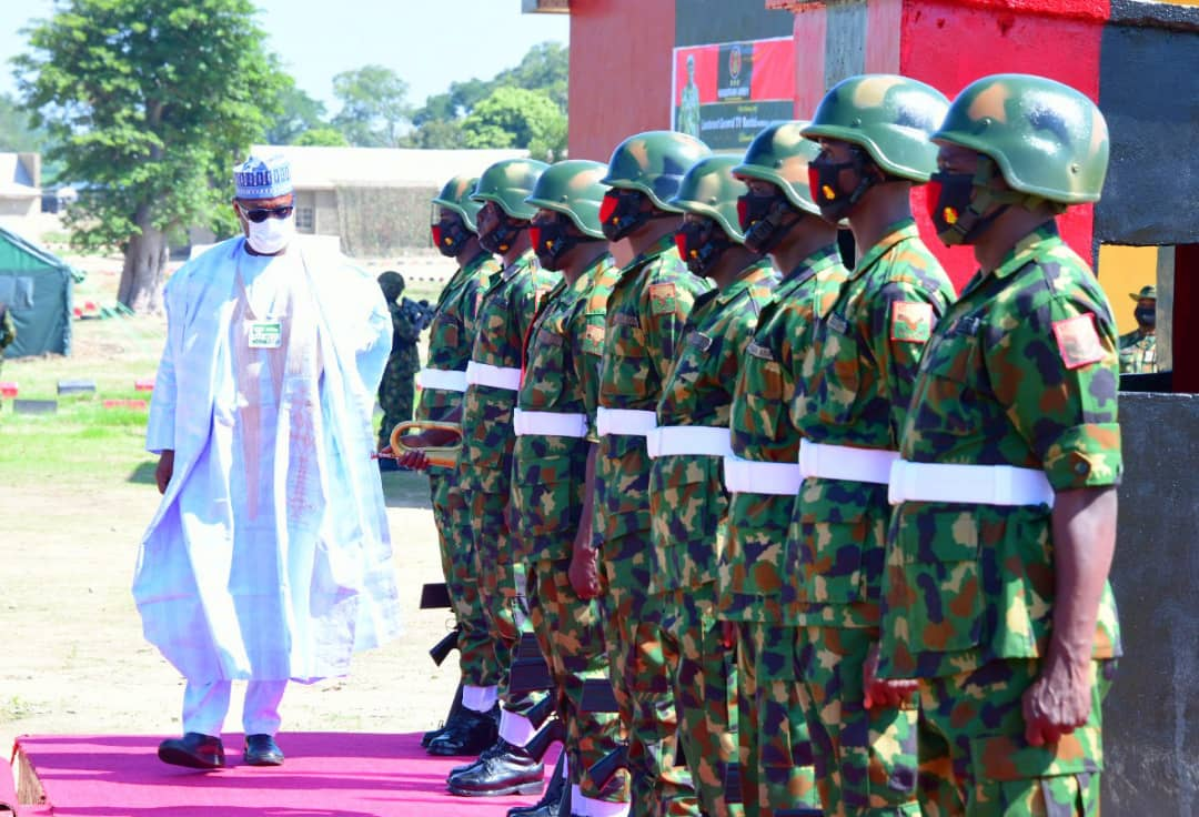 GOVERNOR ABUBAKAR SANI BELLO OF NIGER STATE ,INSPECTING GAURD OF HONOUR ON ARRIVAL AT THE SUPER CAMP 4 FASKARI KATSINA STATE, ESTABLISHED TO ADDRESS THE SECURITY CHALLENGES CONFRONTING THE NORTH WEST STATES AND NIGER IN NORTH CENTRAL. #ABUBAKARSANIBELLO #NIGERSTATE