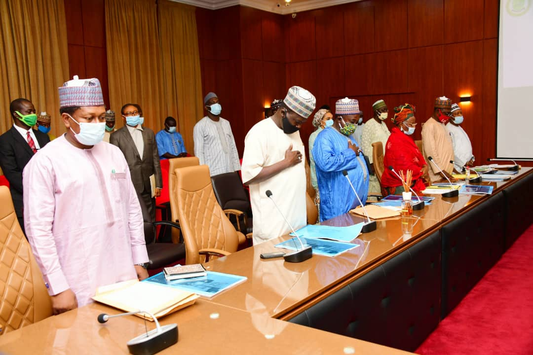 Governor of Niger state Abubakar Sani Bello (ASB) is currently Presiding over the state executive council meeting, holding the government house Minna, Niger State.AbubakarSaniBello #NigerState