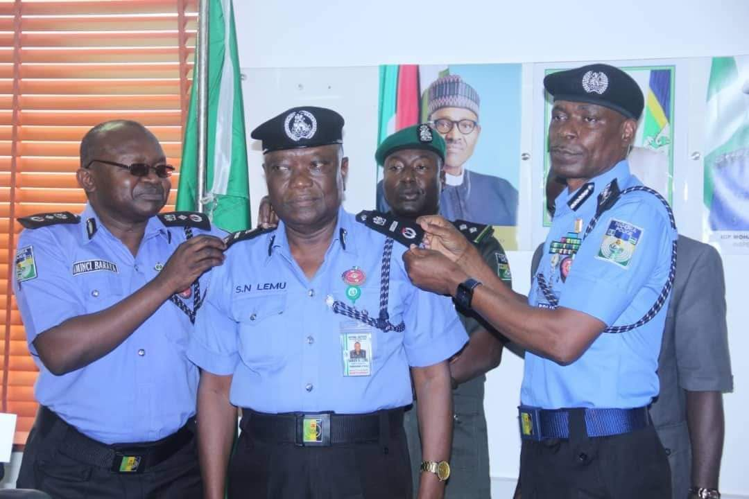 NIGER STATE GOVERNOR FELICITATES WITH KINSMAN, SANUSI NMA LEMU ON HIS ELEVATION TO DIG IN THE NIGERIA POLICE FORCE