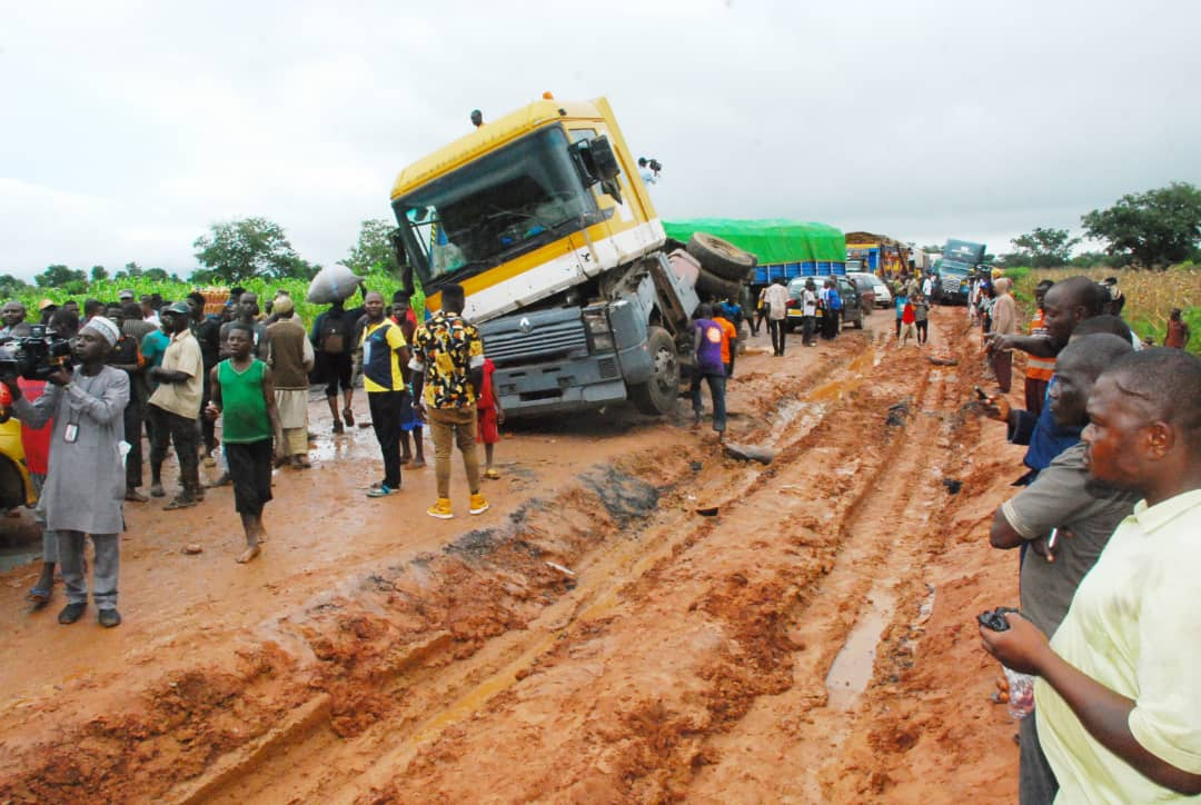 NIGER STATE GOVT CONSIDER RE-CLOSING DOWN OF MINNA-BIDA ROAD TO HEAVY TRUCKS FOLLOWING NON EMERGENCY INTERVENTION ON FEDERAL ROADS BY THE FEDERAL GOVERNMENT